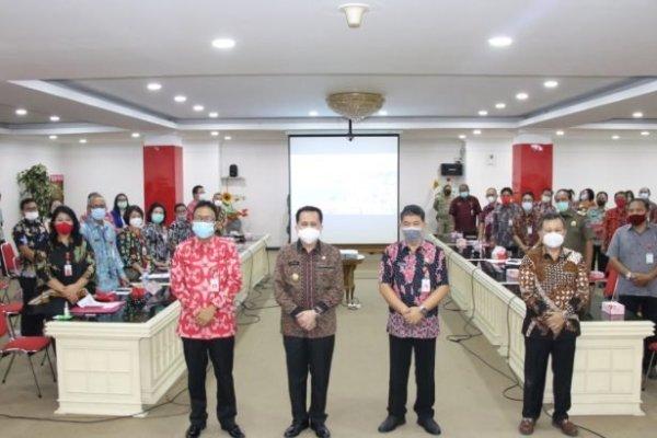 Cegah C-19, Pjs Gubernur Fatoni Masifkan Gerakan Sulut Bermasker