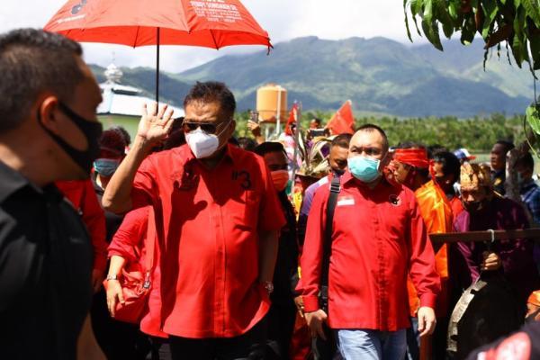 Temui Warga Nusa Utara, Olly Teguhkan Komitmen Membangun Sulut dengan Politik Kesejahteraan