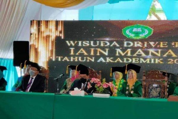 Sekdaprov Silangen Ajak Wisudawan/Wisudawati IAIN Manado Dukung Pembangunan Sulut