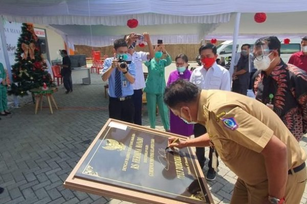 Gubernur Olly Tandatangani Prasasti RS Hermina Manado, Ini Harapannya