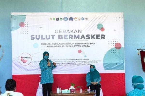 Sambangi Panti Asuhan, Ibu Tri Tito Karnavian Bagikan Masker dan Sembako
