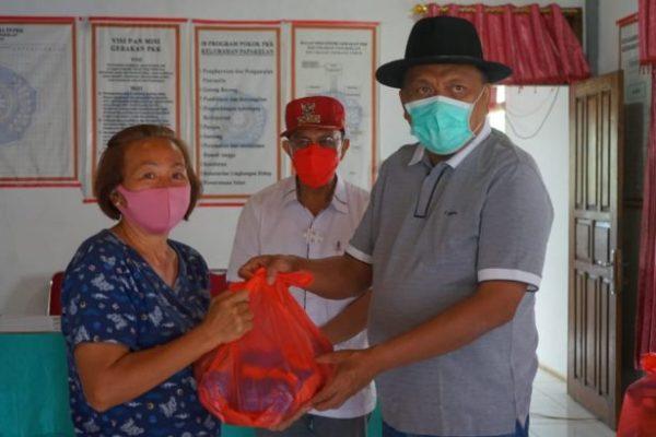 Bantu Korban Banjir Papakelan, Gubernur Olly Salurkan Sembako
