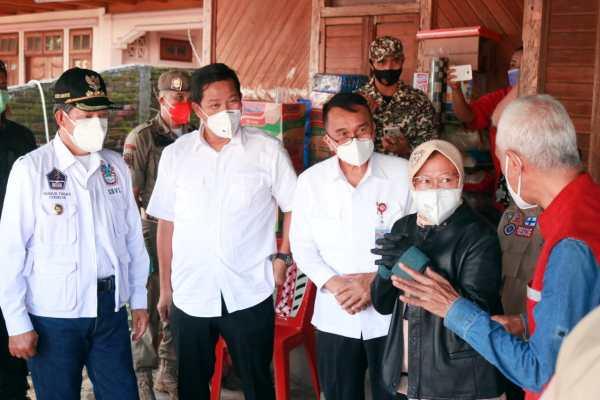 Mensos Risma Kunjungi Korban Longsor Manado, Walikota : Terimakasih Ibu Menteri