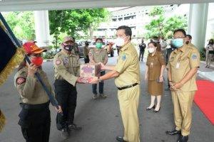 Wagub Kandouw Serahkan Bantuan Pemprov Sulut untuk Korban Gempa Sulbar