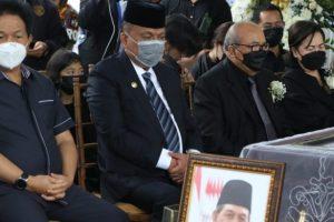 Gubernur Olly Dondokambey Doakan Keluarga Mendiang SHS Tabah dan Sabar