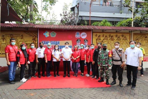 Walikota Tinjau Vaksinasi di Klenteng Kwang Kong