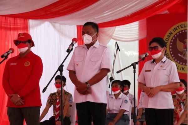 Gubernur Olly Kunjungi Pelaksanaan Vaksinasi di SMA Negeri I Manado