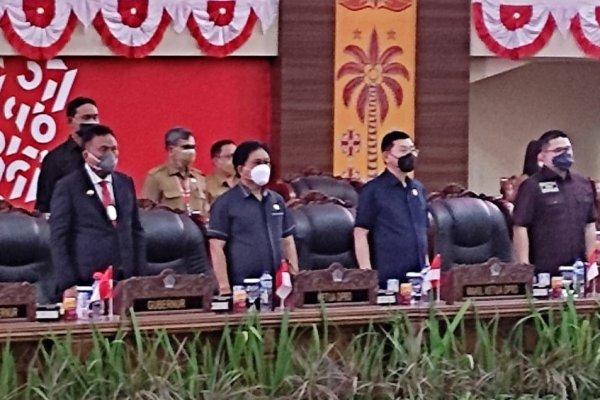 Gubernur Olly Hadiri Rapat Paripurna DPRD Penandatanganan Nota Kesepakatan KUA-PPAS Perubahan APBD Provinsi