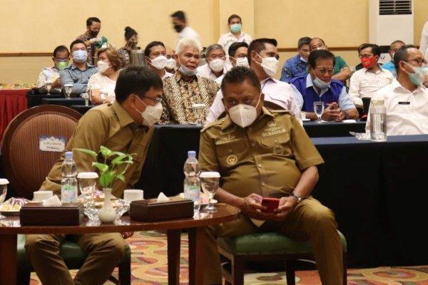 Walikota Angouw Dampingi Gubernur Olly Hadiri Kegiatan Sosialisasi di Aston Hotel Manado
