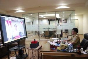 Walikota Angouw Ikuti VidCon Lewat Aplikasi Zoom Meeting bersama Presiden