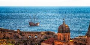 Kolorowa scena łodzi w Perle Adriatyku | Dubrownik, Chorwacja