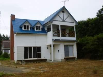 茨城県鉾田市 白壁に青屋根が映える3LDK 430万円