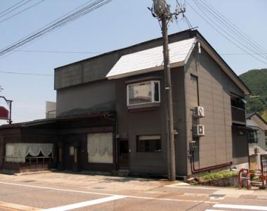 新潟県魚沼市の別荘&田舎物件 パン、ケーキ屋が即開業できる店舗物件1000万円