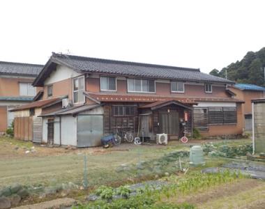 新潟県糸魚川市の別荘&田舎物件 田園地帯に建つ5SK 98万円