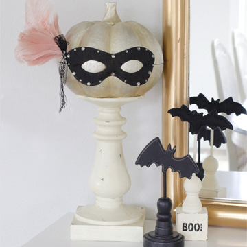 10-Minute Glam Halloween Masquerade Mask