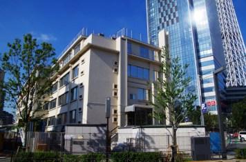 京成電鉄本社ビルとイーストタワー