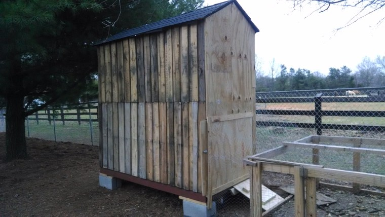 New Bigger Chicken Coop from Pallets