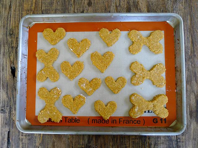 Huck's pumpkin peanut butter cookies