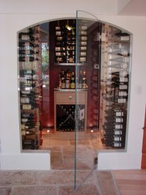 innovative-modern-detailing-in-custom-wine-cellar-768x1024