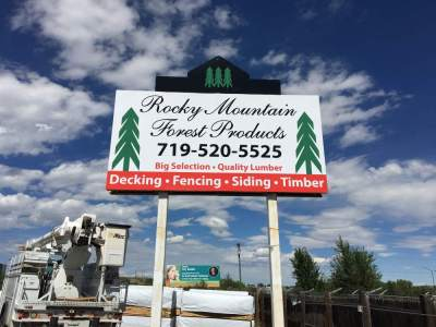 rocky mountain forestry pole sign - Where to place your new outdoor signage?
