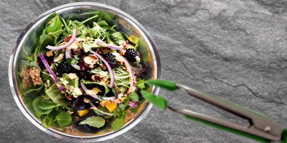 Mango Walnut Spinach Salad