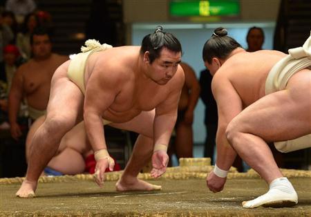 El Yokozuna Kakuryu durante el Soken previo al Natsu Basho
