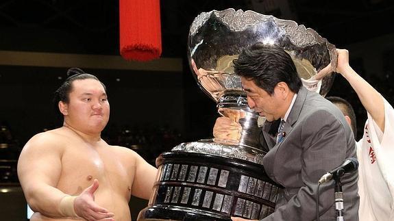 Haru 2019, día 15 - Hakuho levanta su 42º título