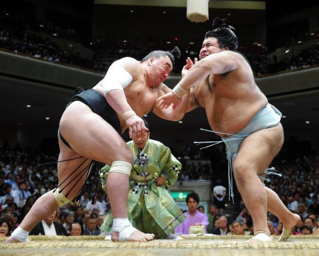 El Yokozuna Harumafuji y el Sekiwake Takayasu han quedado hoy fuera de la lucha por el título (Foto: Sumoforum.net)
