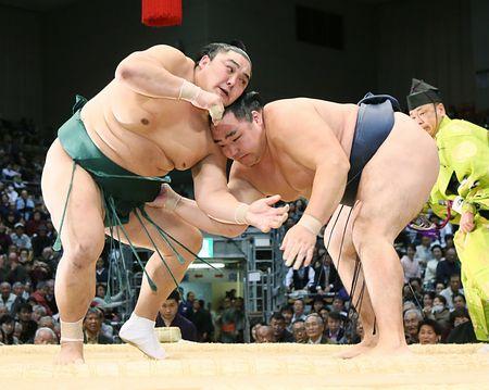 El Yokozuna Kakuryu es el líder en solitario de este Kyushu Basho (Foto: SumoForum.net)