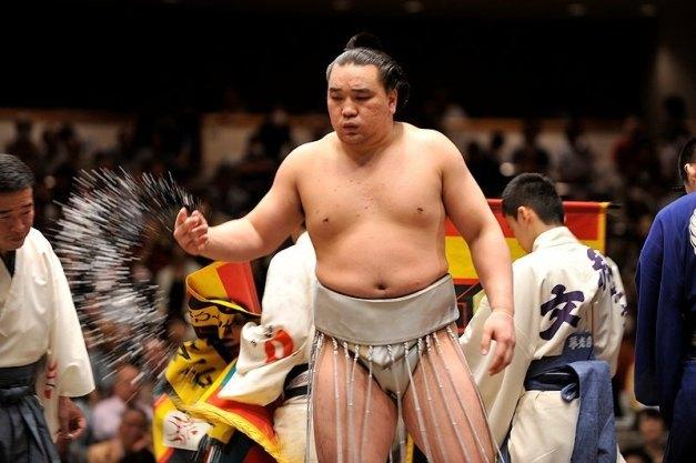 El Yokozuna Harumafuji, vencedor del pasado Aki Basho, no ha iniciado el torneo de Fukuoka con buen pie (Foto: Martina Lunau)