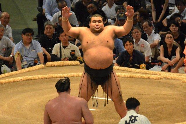 El Ozeki Takayasu sufría su primera derrota del torneo