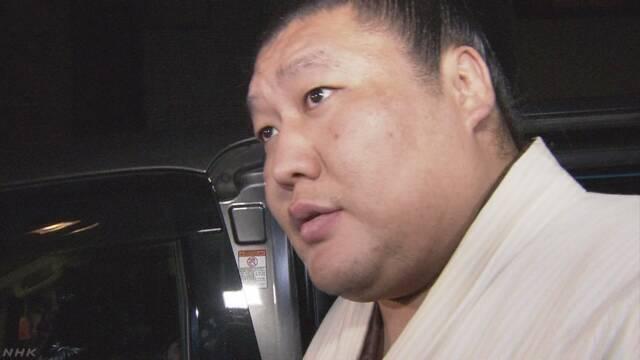 Takanoiwa abandona el sumo