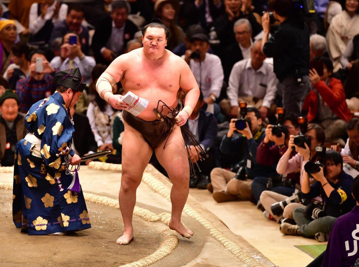 Haru 2018, día 12 - Hakuho e Ichinojo siguen intratables