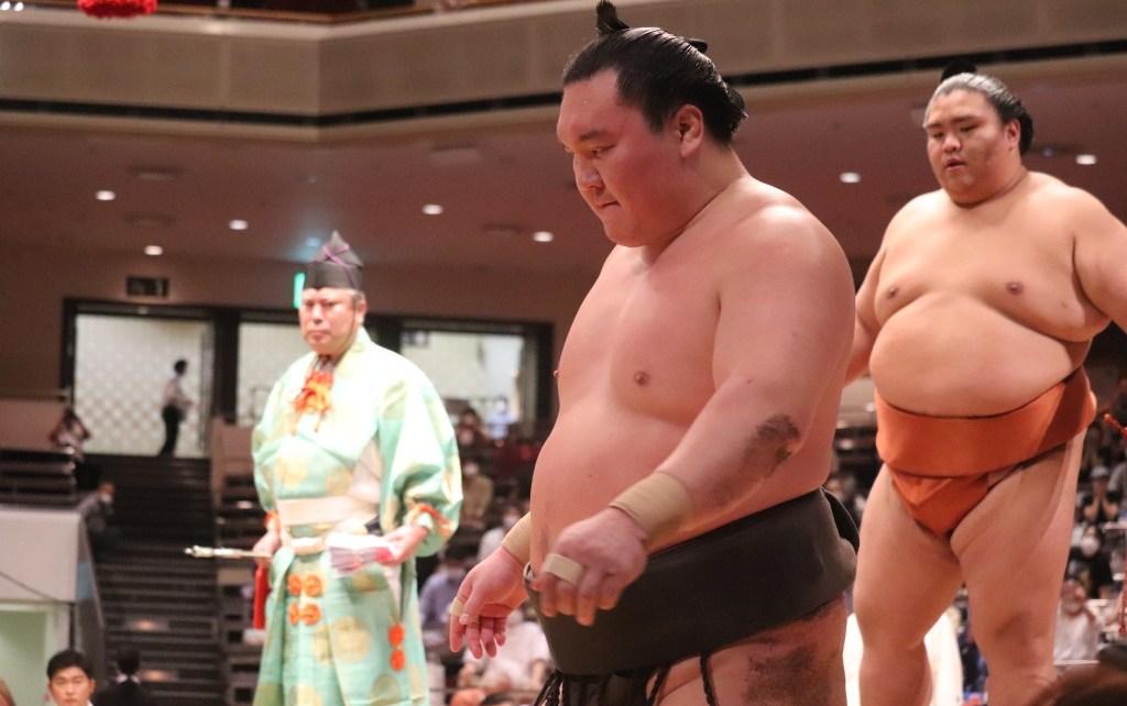 Hakuho Mitakeumi