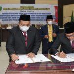 Bupati dan DPRD Tapsel Tandatangani Nota Kesepakatan 5 Ranperda Jadi Perda