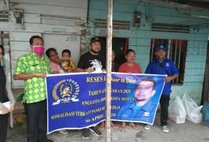 RESES: Anggota DPRD Medan dari Fraksi PAN, Abdul Rahman Nasution saat menggelar reses di Jalan Karya, Kecamatan Medan Barat.