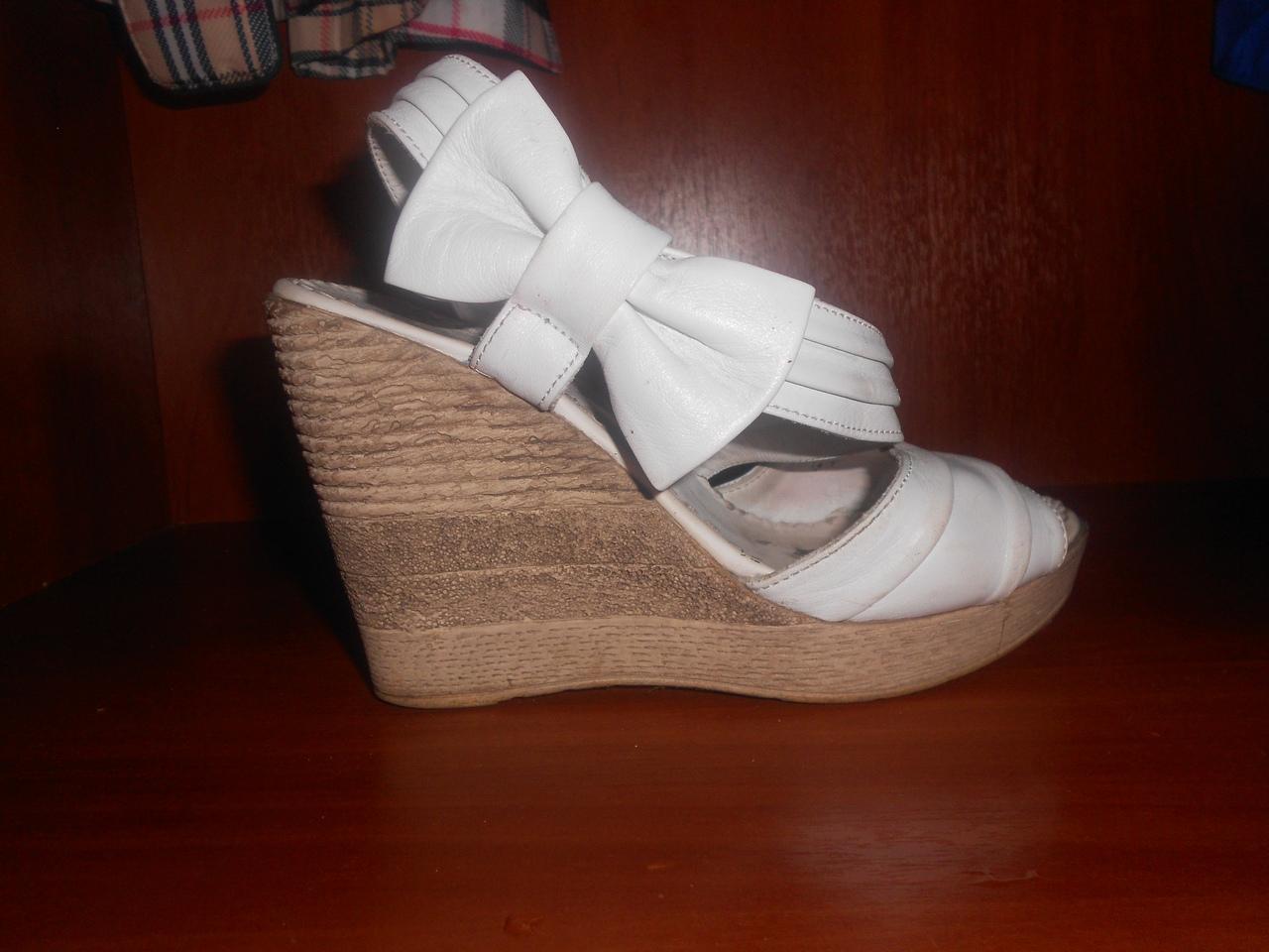 Танкетки лучшая обувь