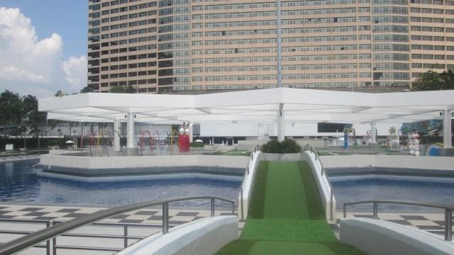 Бассейны у отеля Амбассадор