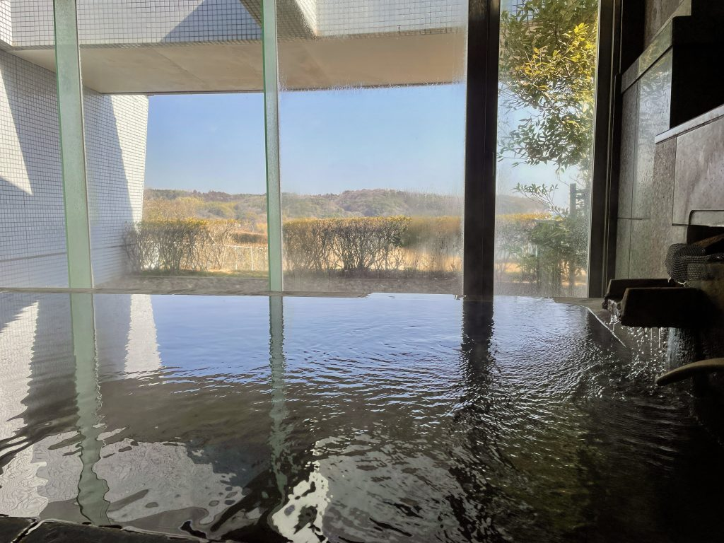 【日出町 ソラージュ大分・日出】まるで大浴場な贅沢家族風呂!海沿いの景色と広すぎ温泉に大満足♨