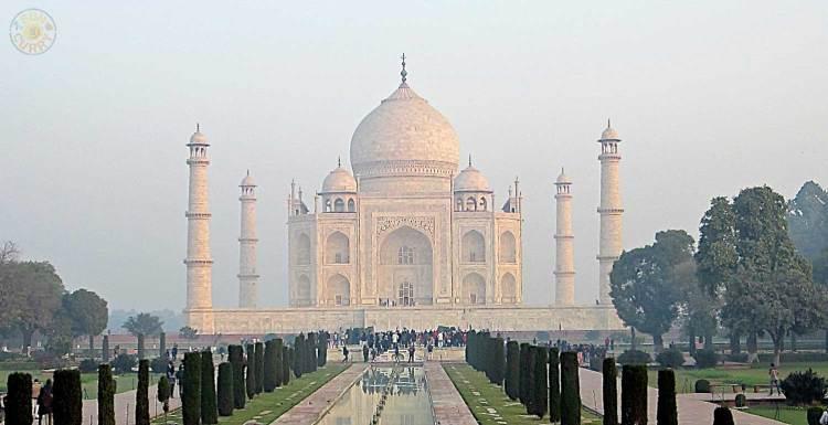 Taj Mahal im Morgengrauen - Agra / Indien