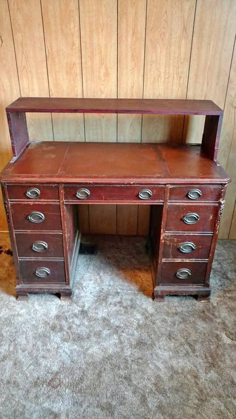 This is the before photo of the desk that I repainted with Annie Sloan Chalk Paint and Wax.