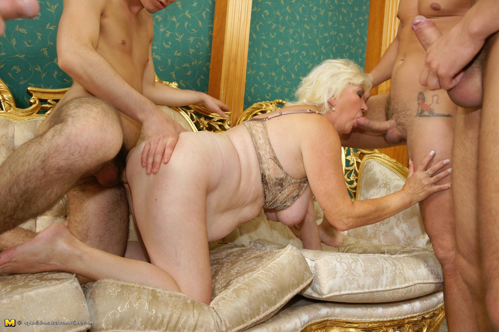 seks-so-starushkoy-seks-bez-problem-pishnaya-devushka-porno-onlayn