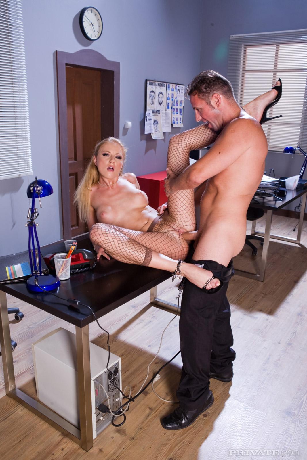 уже давно все игры послушный секс с секретаршей заметили