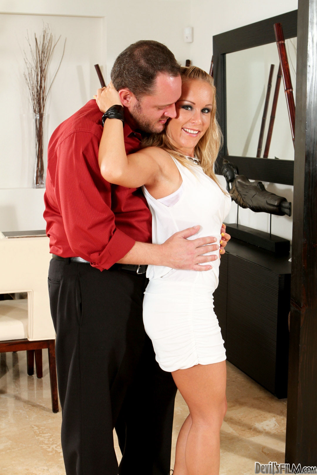 smutty massage therapist fingers a petite teen client