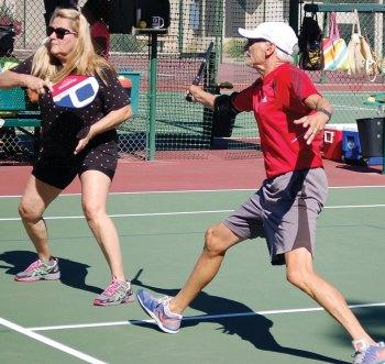 Runners-up Darlene Dolich (left) and Bob Dunst
