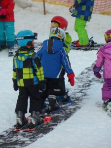 children-learning-how-to-ski-sundance-vacations