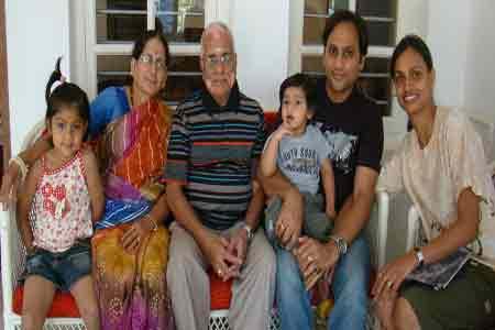 Sundara-mahal-homestay-guests-images-Yegnesh-Lakshmi-Ayati-Advay-and-Family