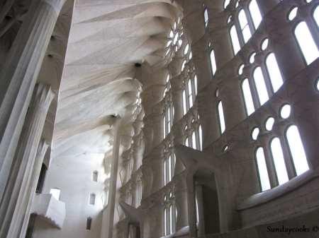 Parte interna inacabada da igreja