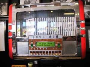 Restaurantes em São Francisco: Mels Drive-In juke box