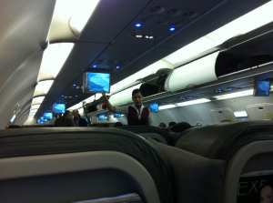 Como é voar de TACA - interior do avião